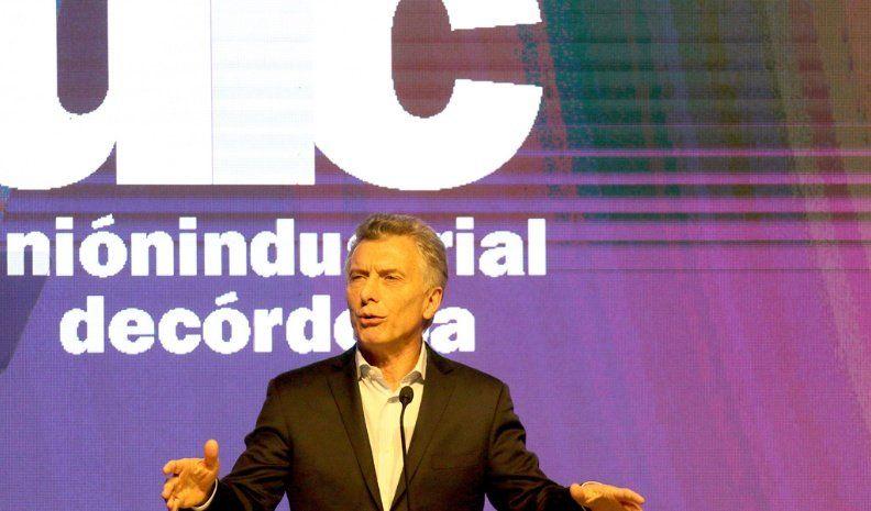 Macri prometió recortar Ganancias a pymes y compensaciones tributarias