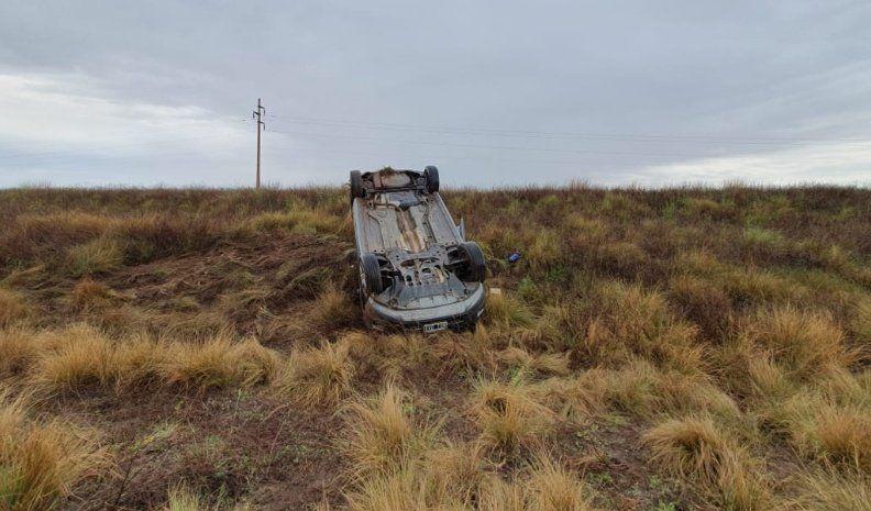 Una mujer lesionada en un vuelco en ruta 35 cerca de Mackenna