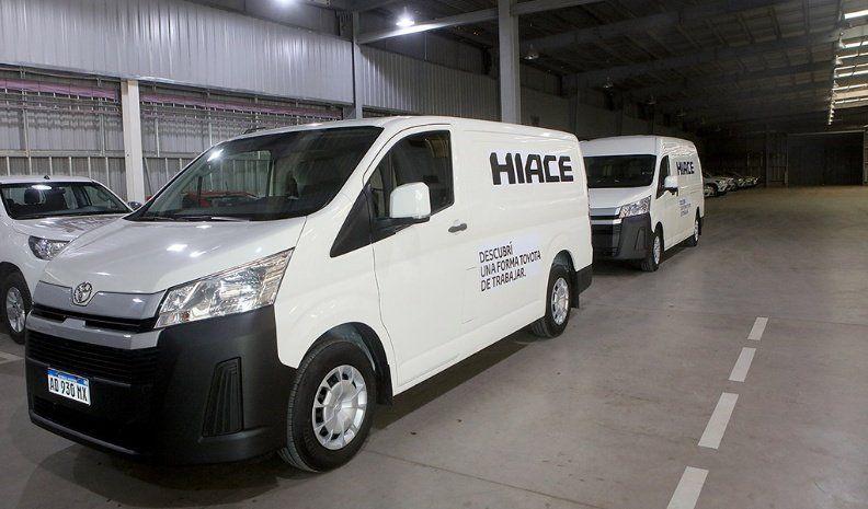 Toyota presentó la nueva Hiace en Alem Motors
