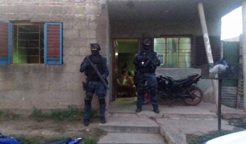 Se turnaban para vender droga en la misma calle: dos detenidos