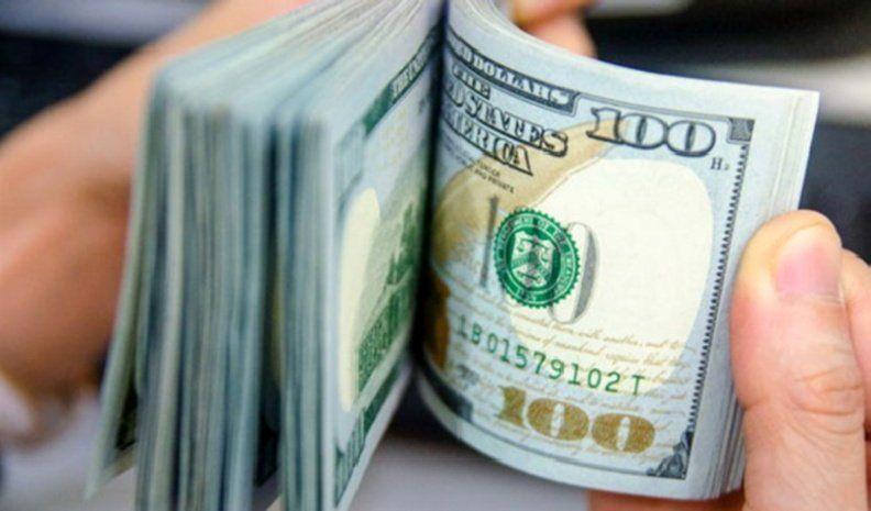 El dólar cotizó a $ 63,05 y acumuló en la semana una baja de 30 centavos