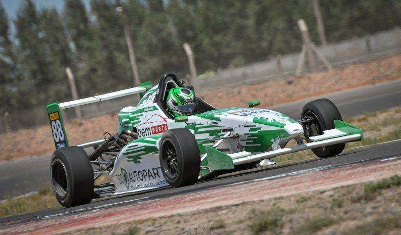 Facundo Marques quinto en la primera final de la Fórmula 2.0 Renault en Centenario