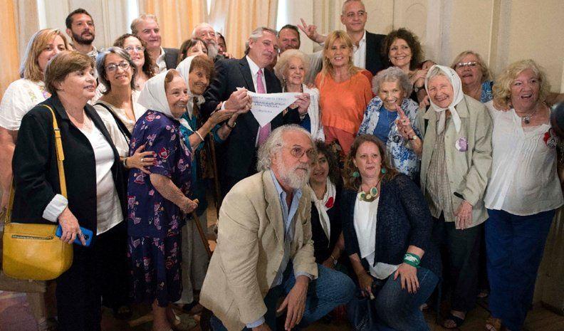 Fernández se opone a la cláusula gatillo y habría otra suba salarial por decreto