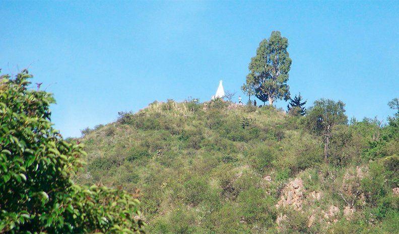 Un joven murió al caer de una antena en Villa General Belgrano