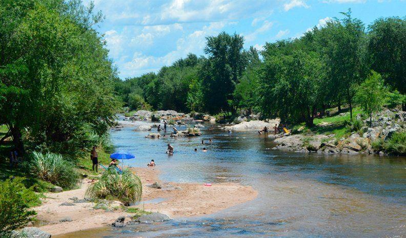Un turista murió ahogado en el río Los Reartes