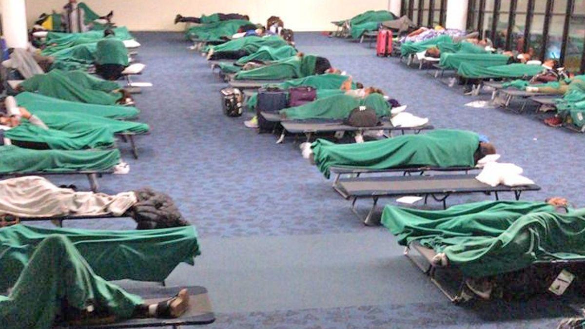Los argentinos pasaron una noche en el aeropuerto de Chile.