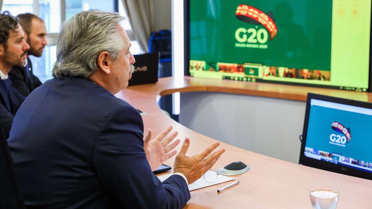El presidente se conecta por videoconferencia desde Olivos.