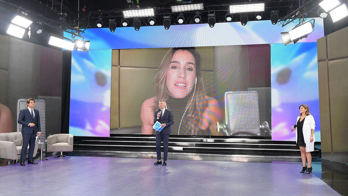 Soledad Pastorutti inauguró la transmisión Unidos por Argentina.