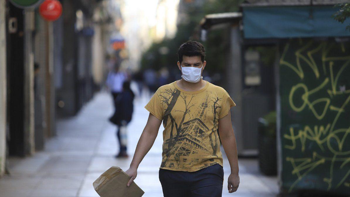 Italia anuncia que la situación parece mejorar con una disminución de la suba de contagios