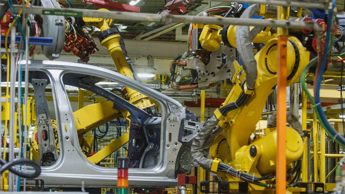 La industria cayó en el primer bimestre y la UIA espera mayor baja en marzo