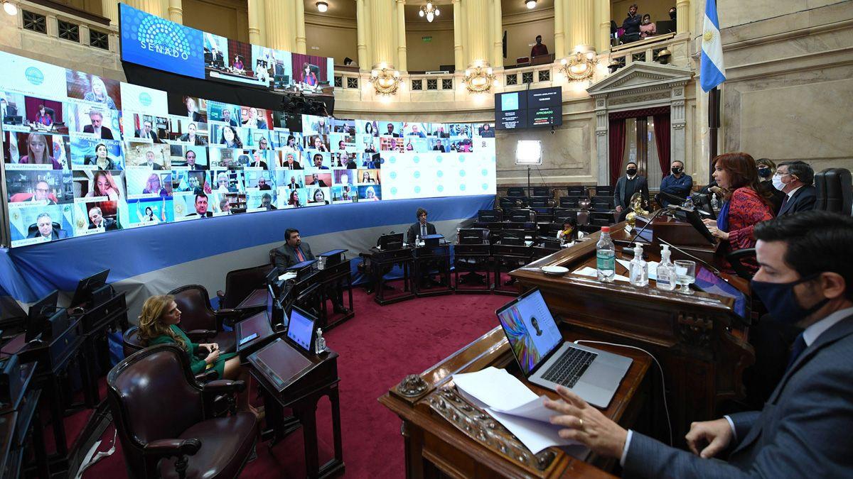 En el Senado fueron aprobados 20 DNU del Ejecutivo Nacional.