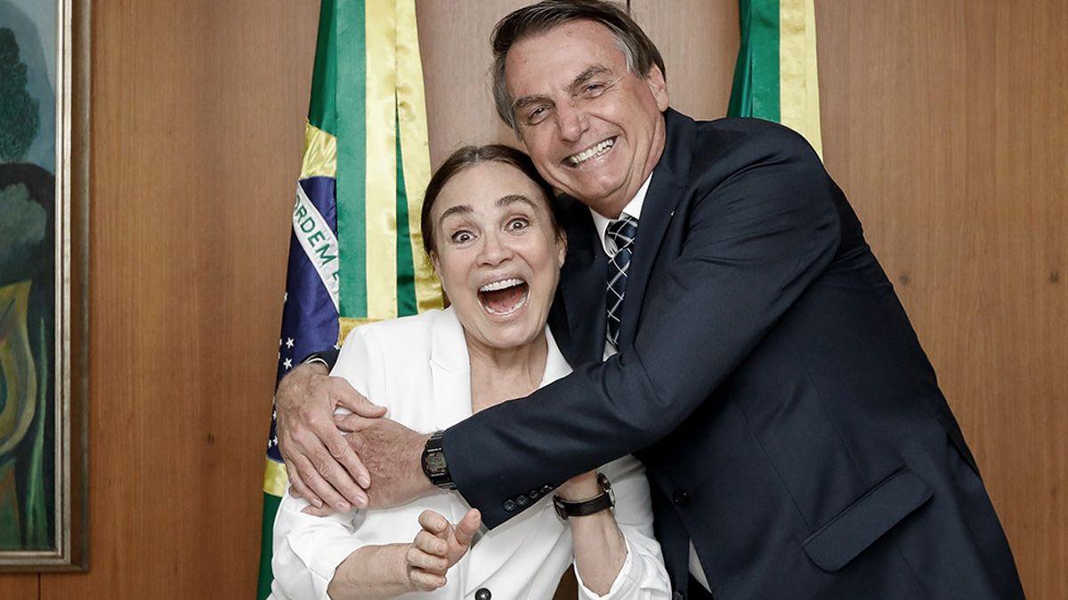 Bolsonaro junto con la ahora exsecretaria de Cultura