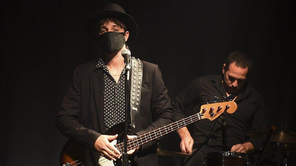 Tiago y Los Pájaros tocaron en vivo pero sin público.
