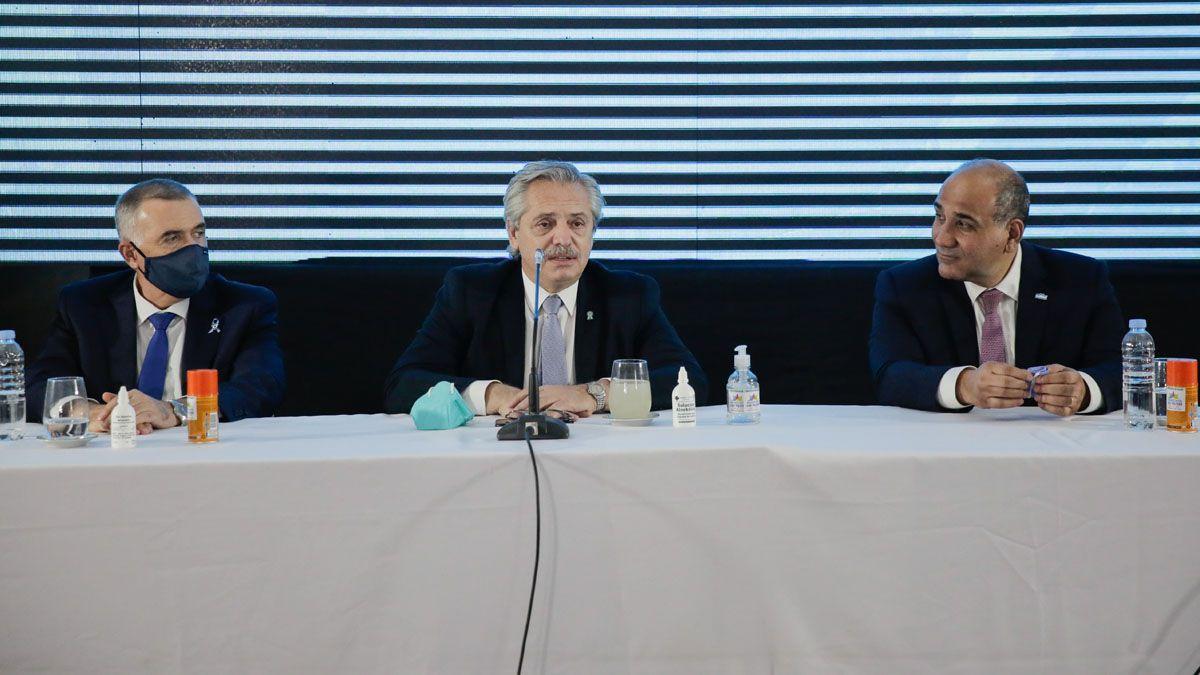 El presidente Fernández durante su visita a Tucumán.