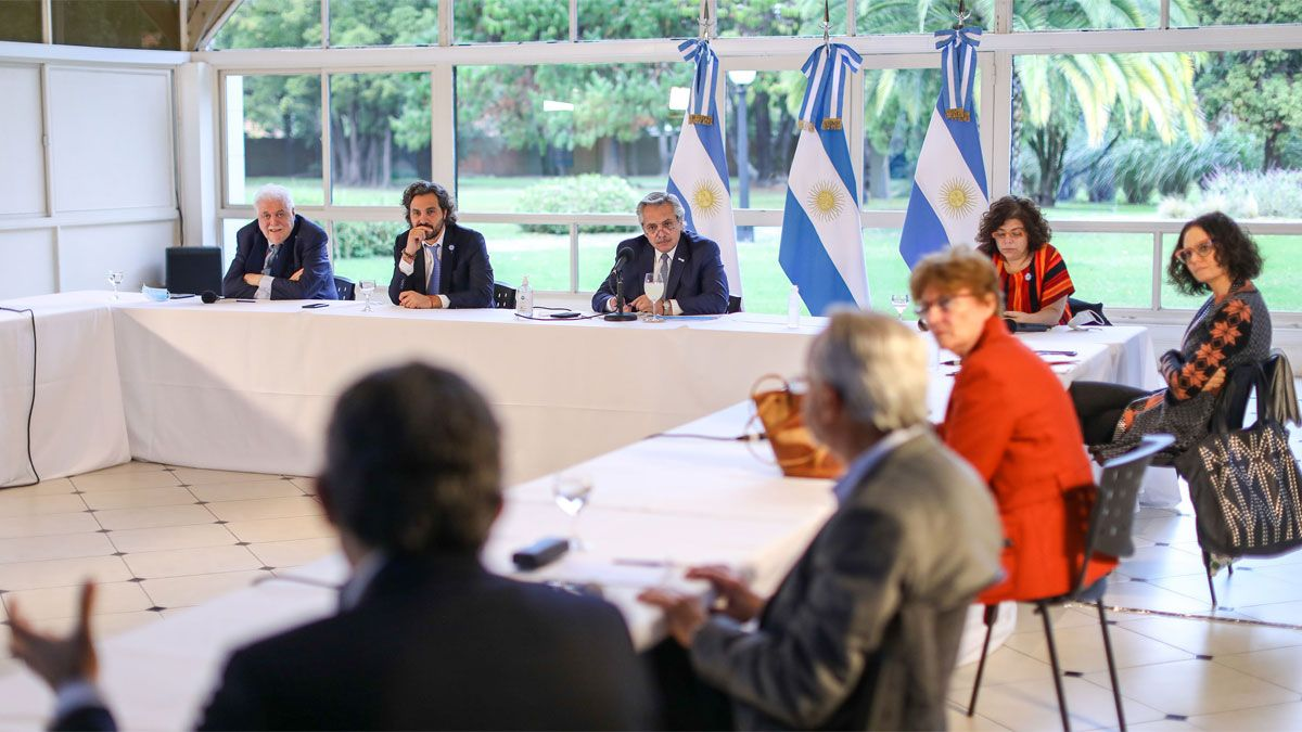 El presidente Alberto Fernandez se reune en Olivos con el comité de infectologos para analizar la continuidad de la cuarentena