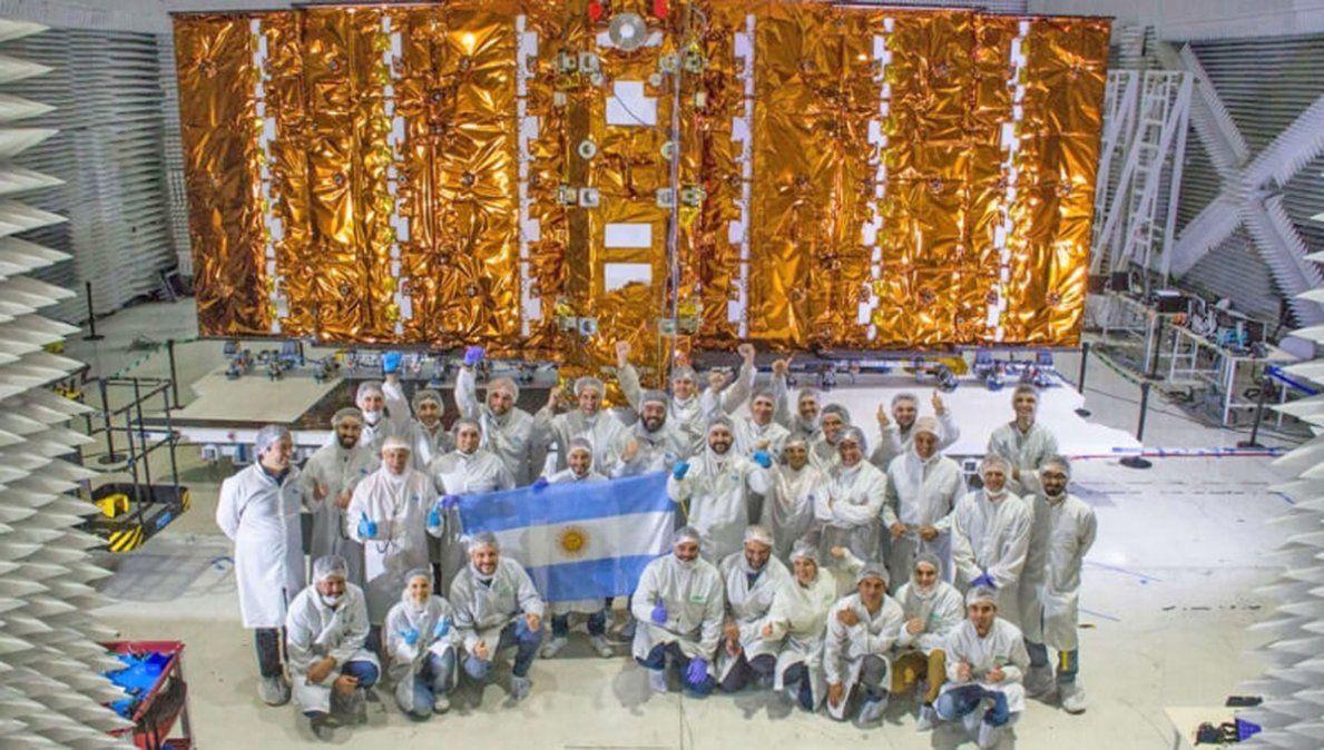 El ingeniero de Chazón que integró el equipo que construyó el segundo satélite nacional