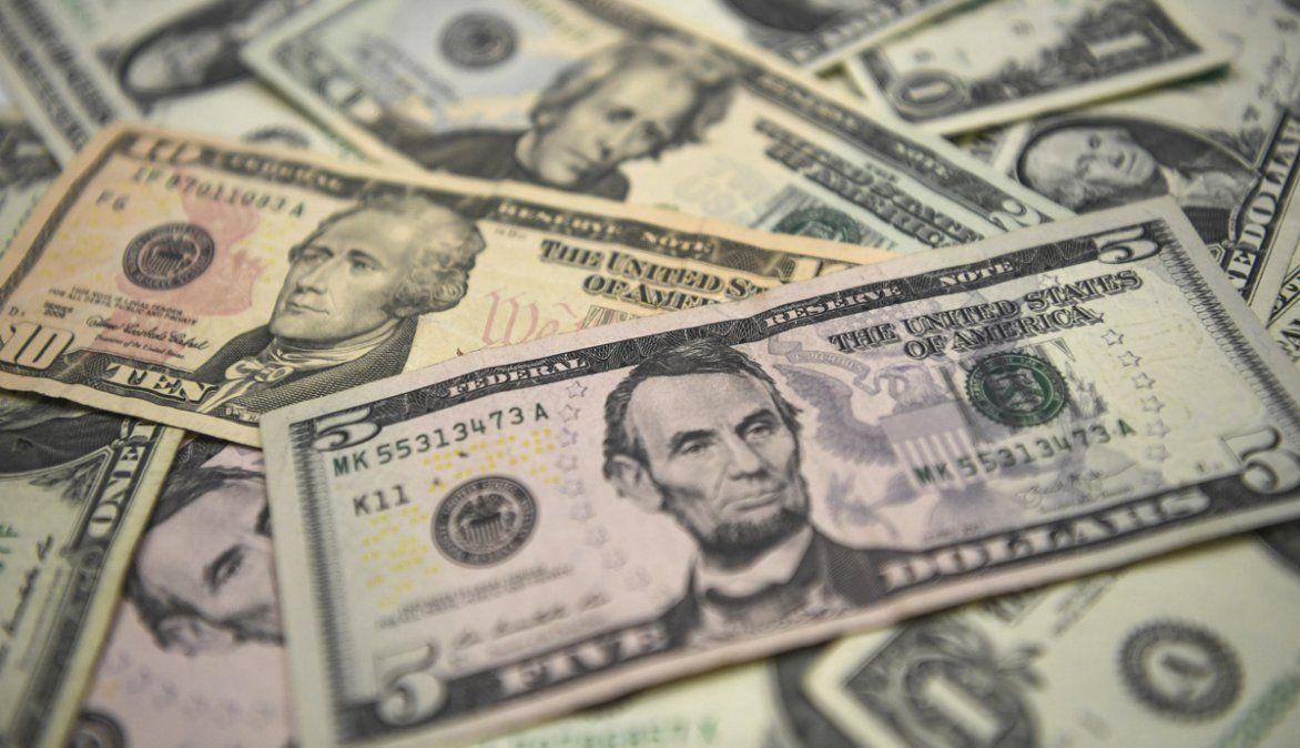 Los argentinos tienen más de 222 mil millones de dólares en el exterior
