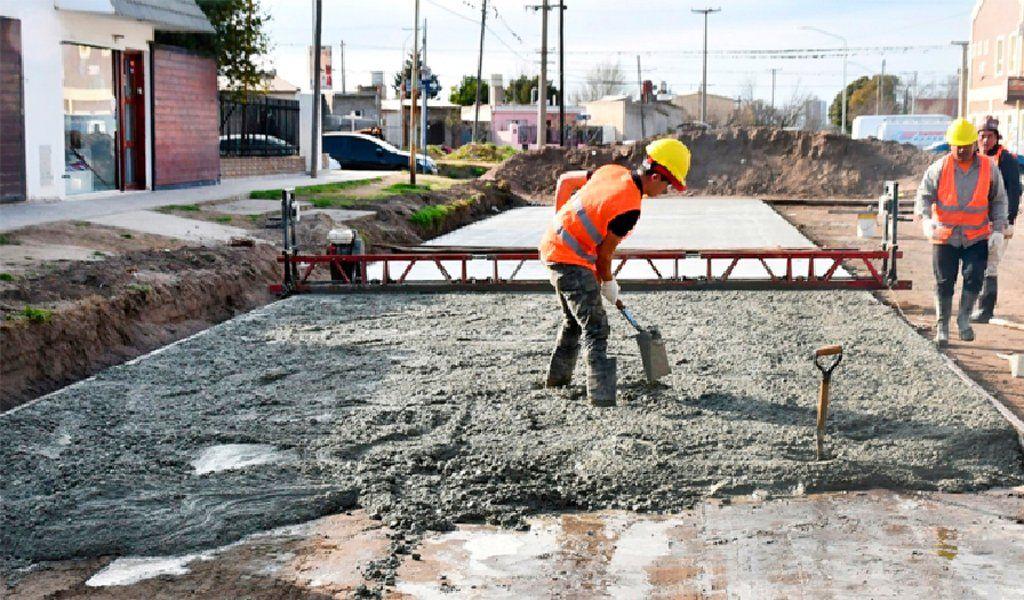Las ventas de cemento se desplomaron por la parálisis de las obras.