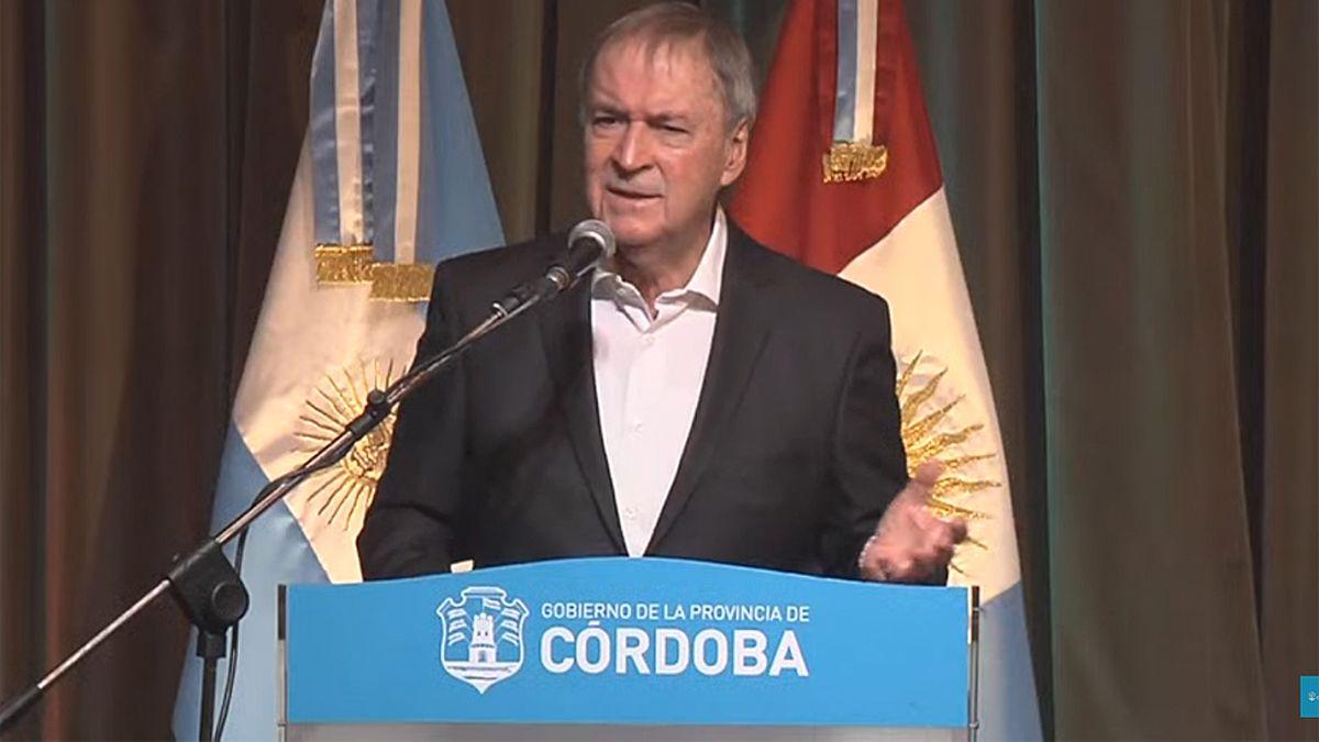 El gobernador Schiaretti encabezó la presentación del informe epidemiológico provincial.