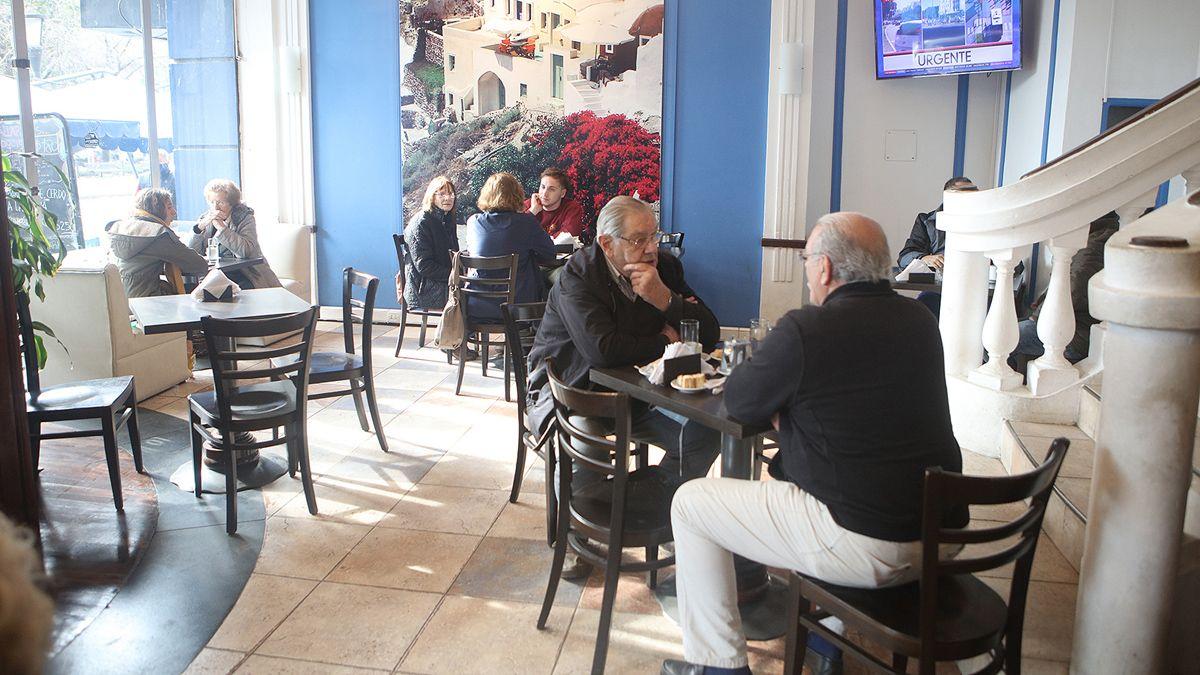 Los bares de Río Cuarto volvieron a abrir bajo protocolos sanitarios.