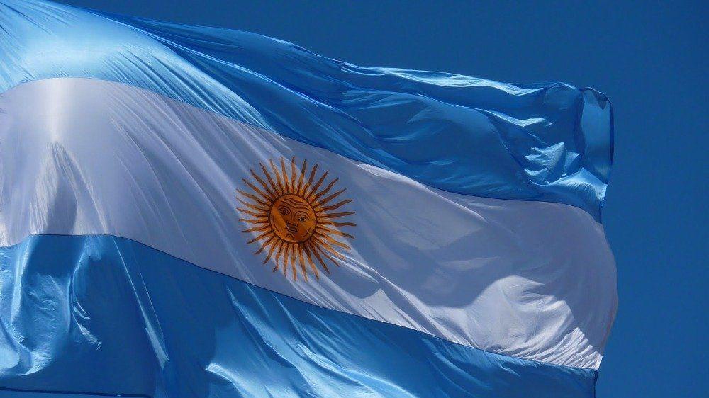 Ni camporistas ni macristas, seamos todos argentinos