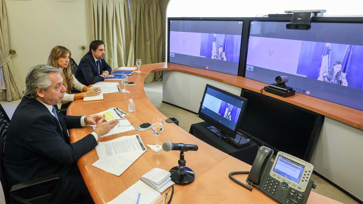 El presidente Alberto Fernandez se comunicó esta mañana desde la residencia de Olivos por videoconferencia con la primera ministra de Finlandia