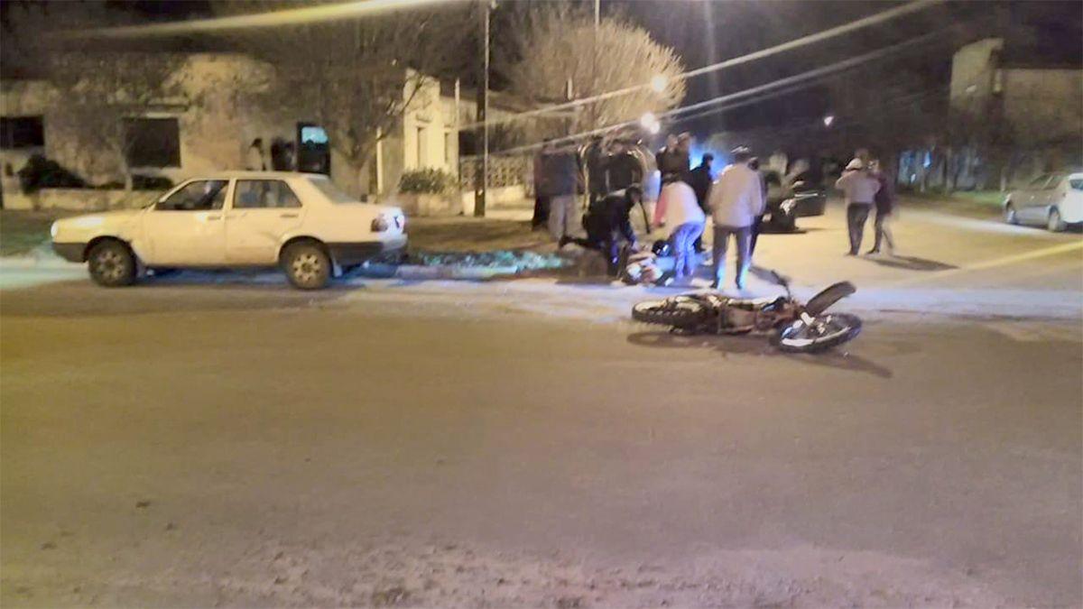 Un joven motociclista, herido al chocar contra un auto en Mattaldi