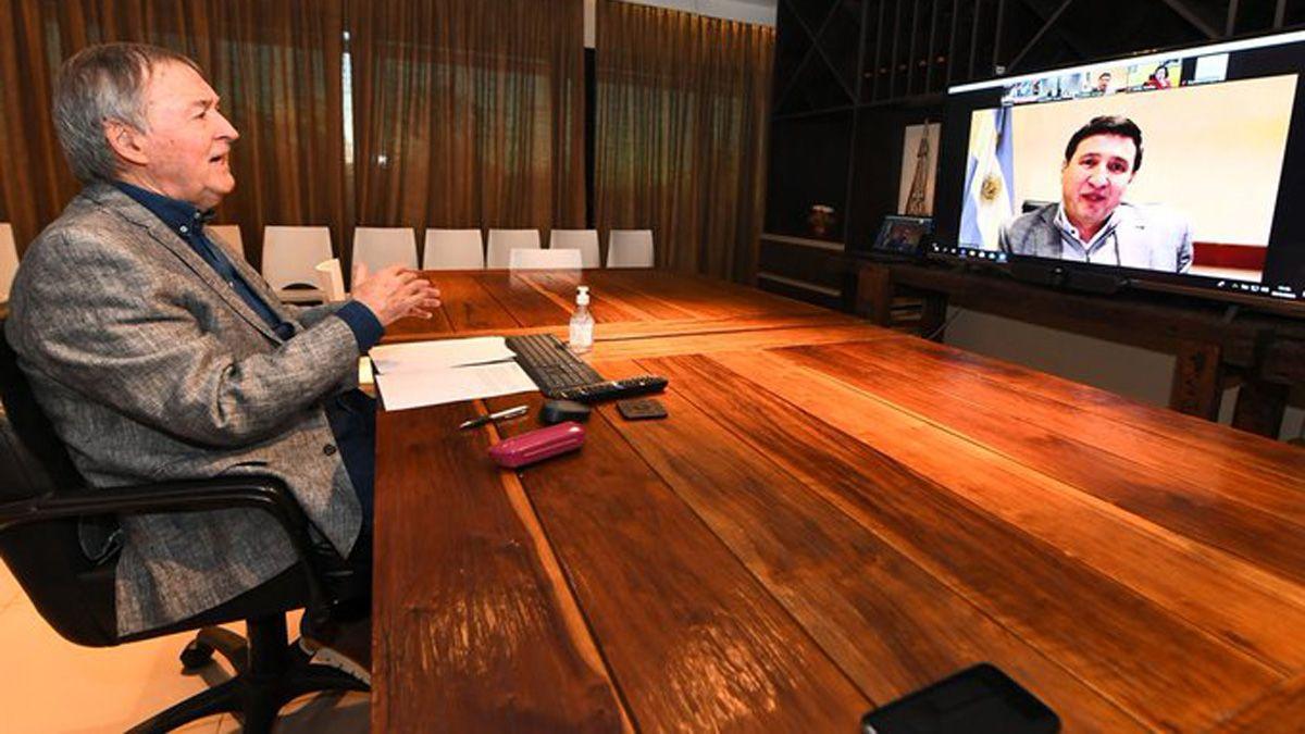 El gobernador Schiaretti en conversación con el ministro de Desarrollo Social