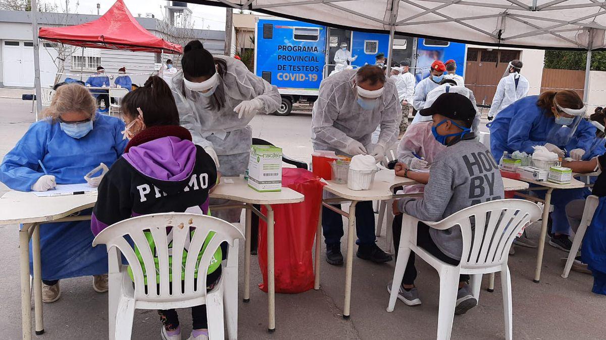 La provincia de Córdoba continúa con el programa Identificar en lugares donde detectaron brotes de contagios.
