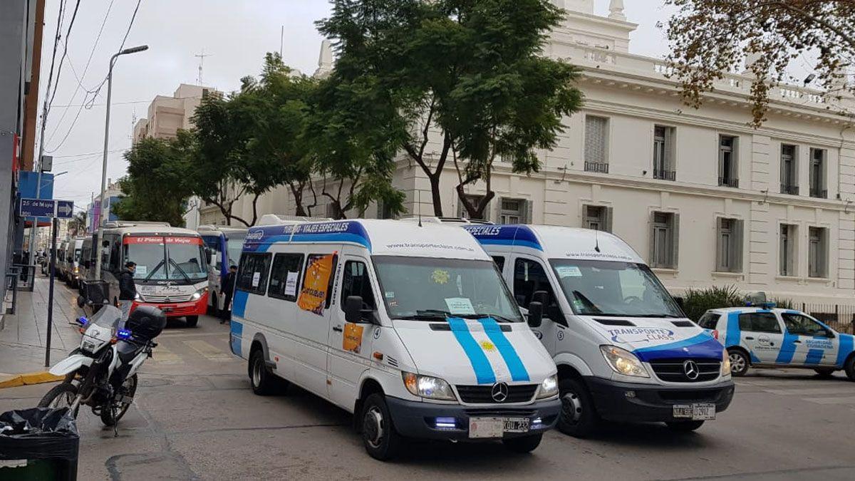 Con una caravana los transportistas se manifestaron en el centro de la ciudadFoto: Matías Tambone