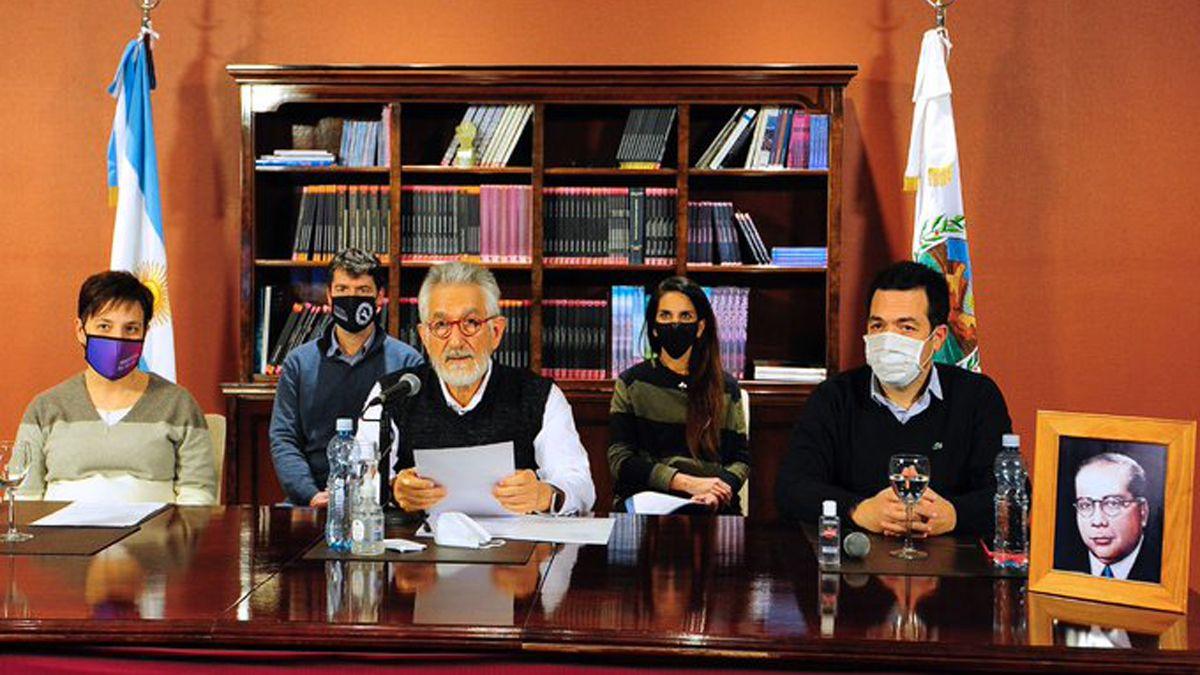 El gobierno de Alberto Rodríguez Saá mantiene las restricciones de circulación en San Luis.