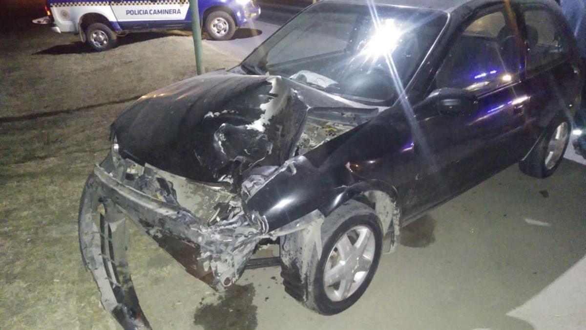 El Chevrolet Corsa involucrado en el choque sobre ruta 158