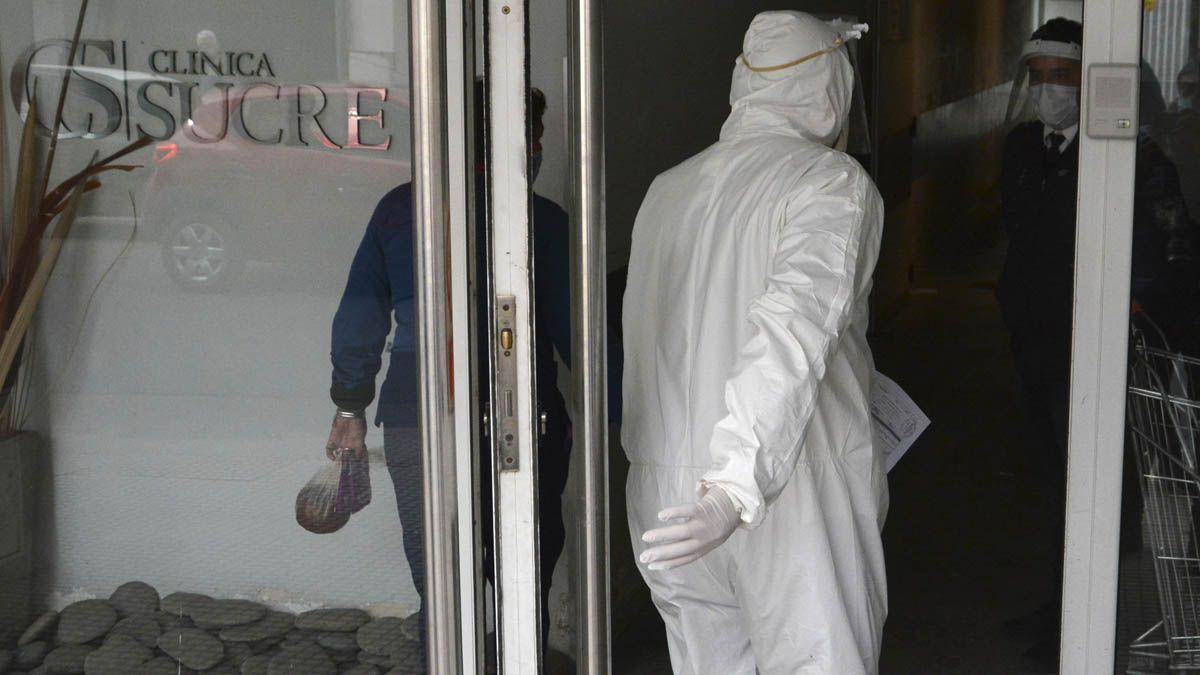 El COE informó que comenzaron los traslados de pacientes internados en la Clínica Sucre de Córdoba.