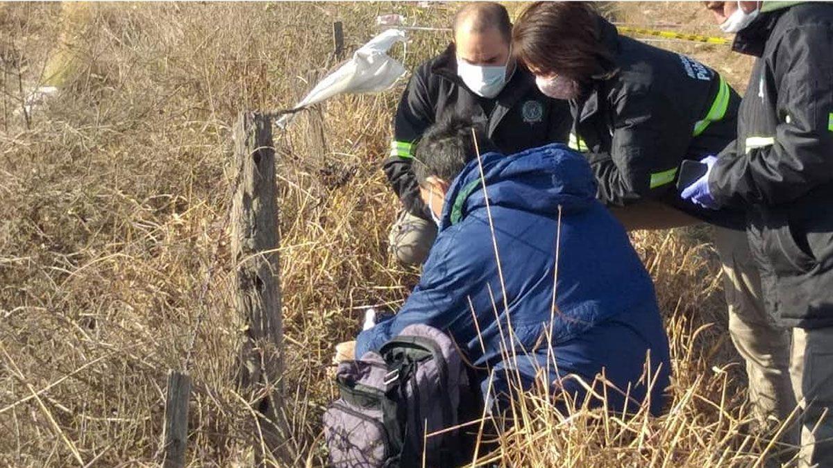 Un equipo multidisciplinario de la Policía Judicial trabajó en el lugar del hallazgo del cráneo.