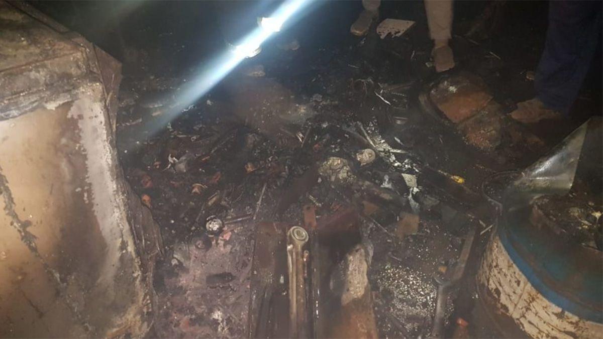 El incendio se registró anoche en un taller de Villa Huidobro