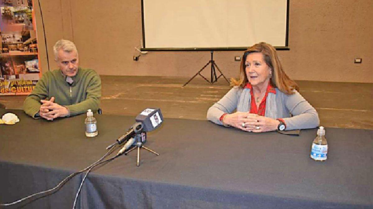 La intendenta Rosso junto con el director del Hospital de Moldes brindaron detalles sobre los análisis realizados.