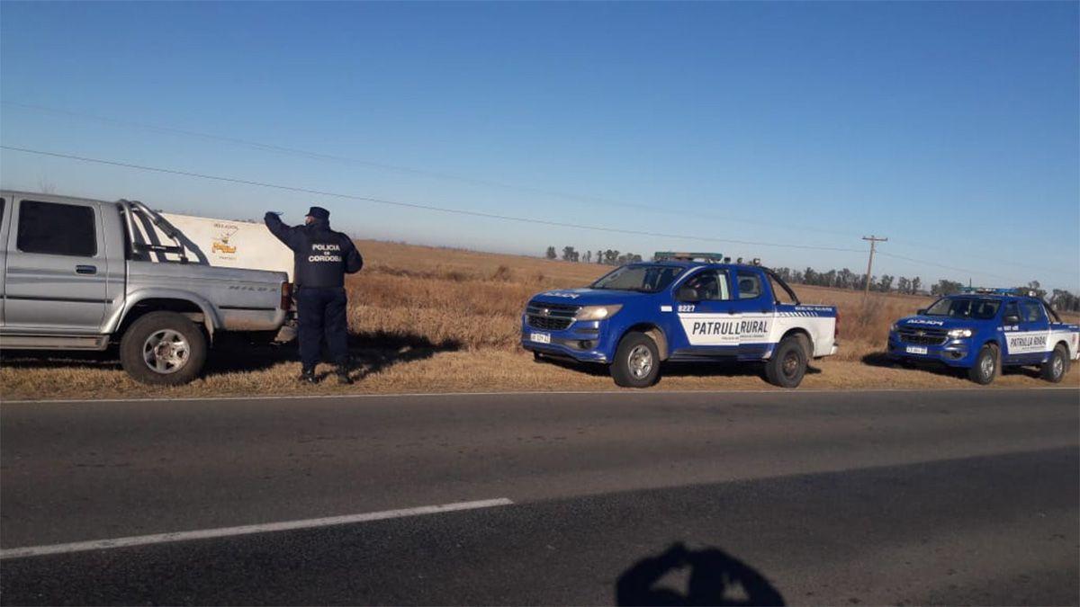 El operativo se inició con el control de una camioneta en la ruta 6.