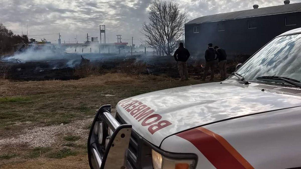 Nueve bomberos intervinieron en el caso registrado en La Carlota.