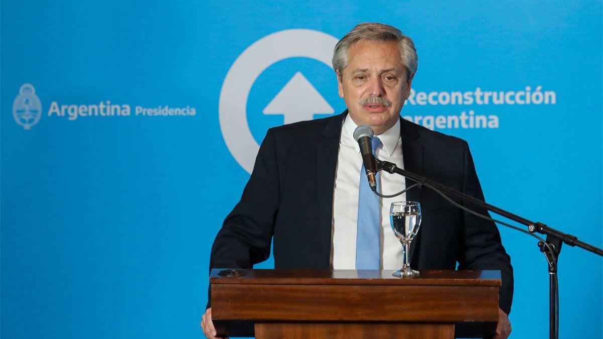 El Presidente encabezó una conferencia de prensa durante su visita a la provincia de San Juan.