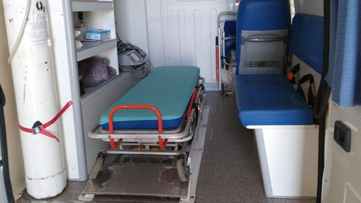 El anestesista no pudo pasar desde La Pampa y dio a luz en una ambulancia que la llevaba a Laboulaye