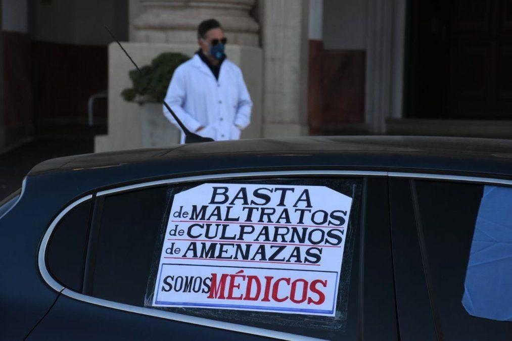 Médicos marcharon en protesta por la imputación de sus colegas de Saldán