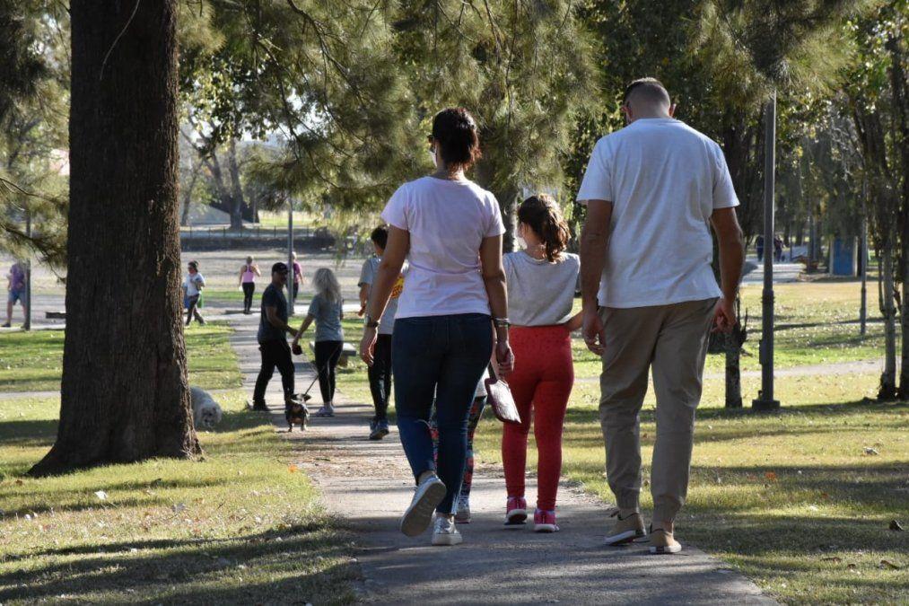 Las caminatas recreativas que se permitían los fines de semana podrán -desde el sábado- realizarse todos los días. El horario será distinto al de las salidas deportivas