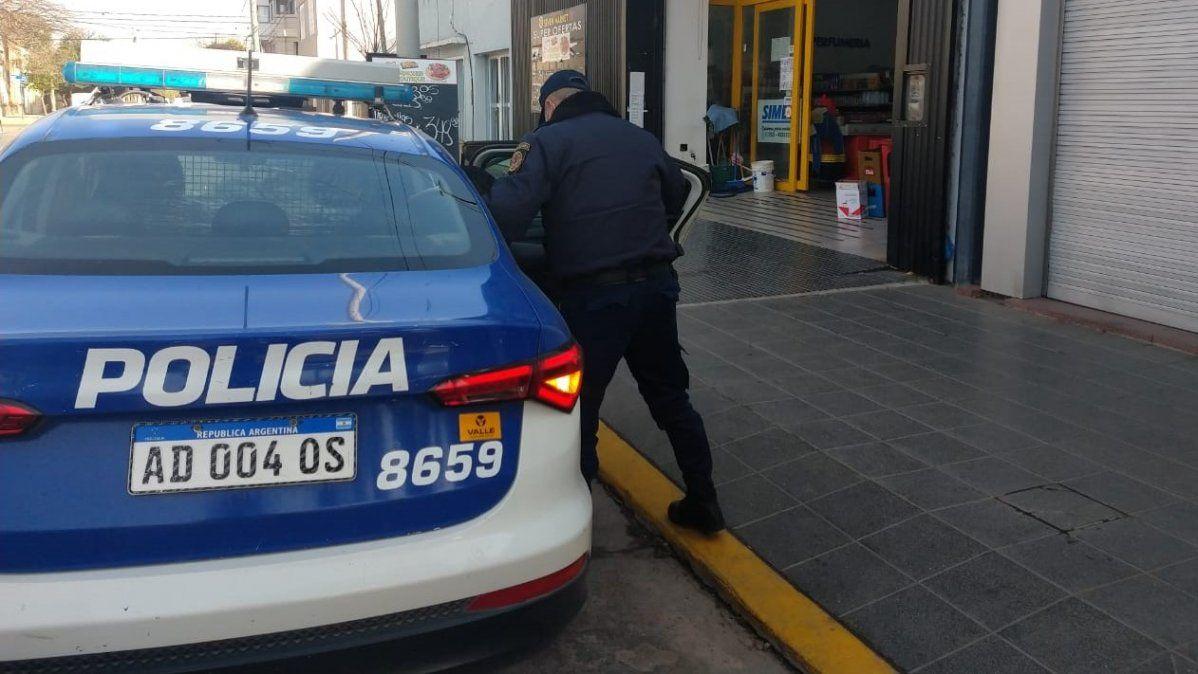 Un joven de 20 años, detenido por robar bebidas en un supermercado
