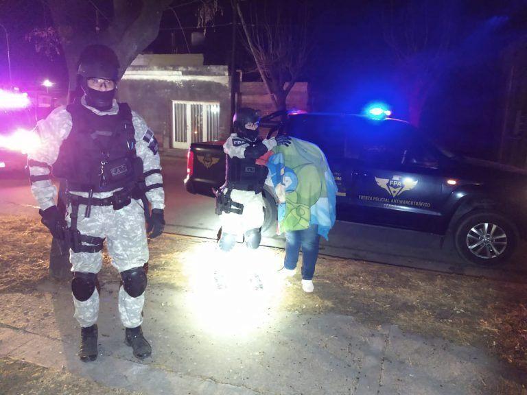 Pareja olivense detenida por narcomenudeo