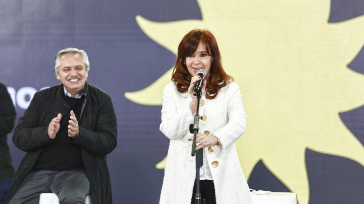Cristina Kirchner y Alberto Fernández encabezaron el acto en Escobar