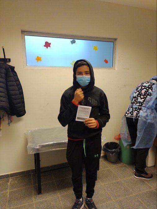 Los niños de la región asistieron al Hospital Pasteur para recibir su dosis contra el Covid.