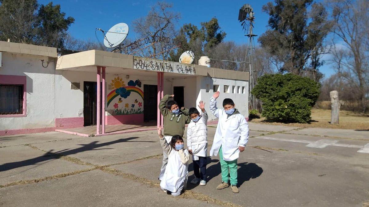 Los alumnos de la escuela rural Olegario Andrade de Colonia Santa Clara retornaron a la presencialidad ayer.