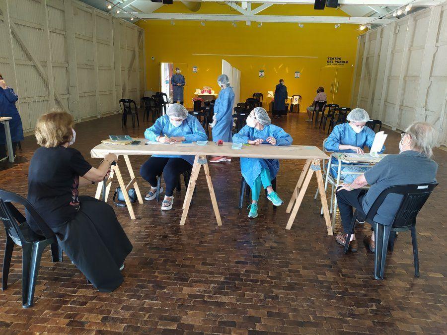 Casi 6.000 personas se vacunaron en Villa María, un 70% a través del Municipio