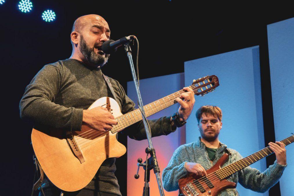 Carlos Tapia realiza el domingo un show vía streaming.