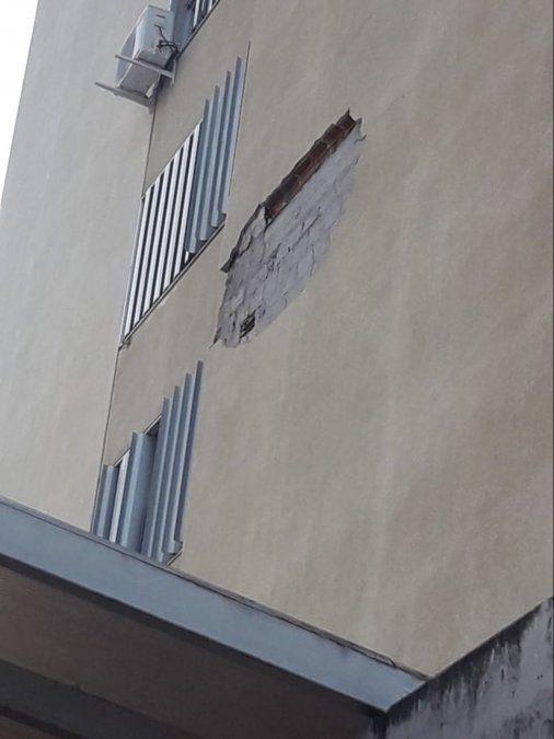 Así se ve la pared lateral de Tribunales desde el exterior.